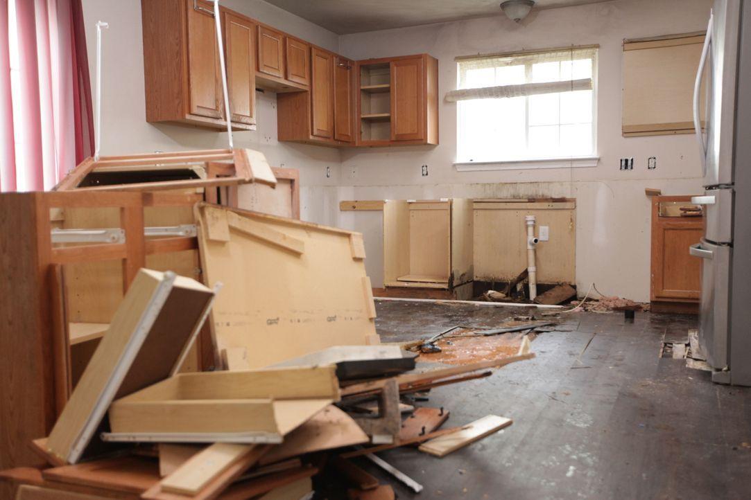 Wird es Lex und ihrem Bauteam gelingen, das Haus der Boelters so zu renovieren, dass sich die Familie ihr neues Traumhaus finanzieren kann? - Bildquelle: 2016,HGTV/Scripps Networks, LLC. All Rights Reserved