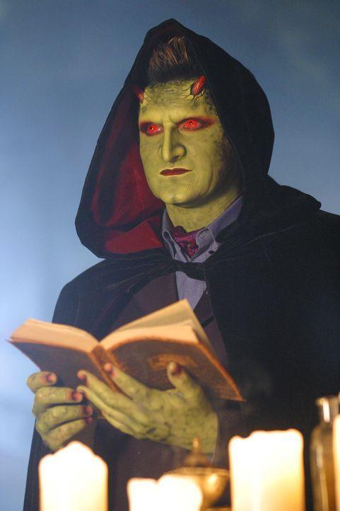 Ein Ritual soll Lorne (Andy Hallett) seine seherischen Fähigkeiten wieder zurückbringen ... - Bildquelle: The WB Television Network