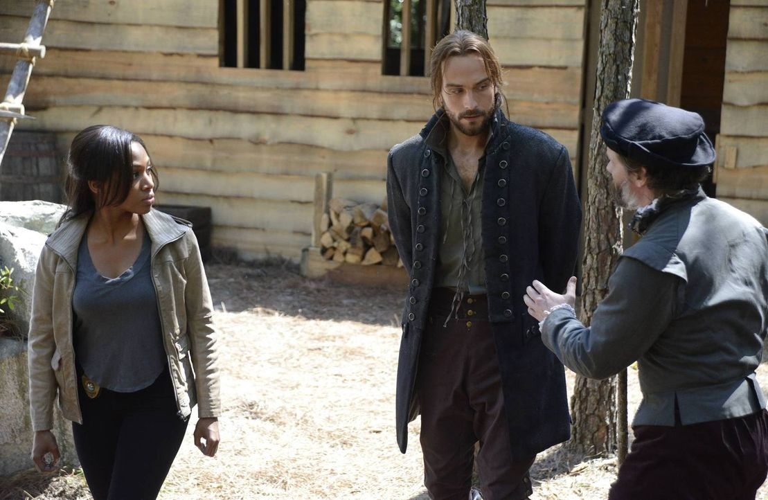 Machen eine erschreckende Entdeckung, als sie sich auf die Suche nach dem Herkunftsort von Thomas Grey machen: Ichabod (Tom Mison, M.) und Abbie (Ni... - Bildquelle: 2013 Twentieth Century Fox Film Corporation. All rights reserved.