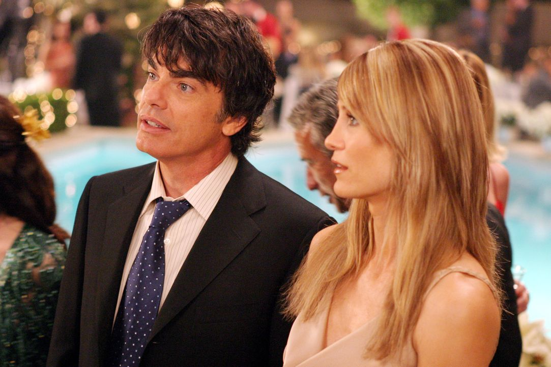 Ende gut, alles gut: Sandy (Peter Gallagher, l.) und Kirsten (Kelly Rowan, r.) ... - Bildquelle: Warner Bros. Television