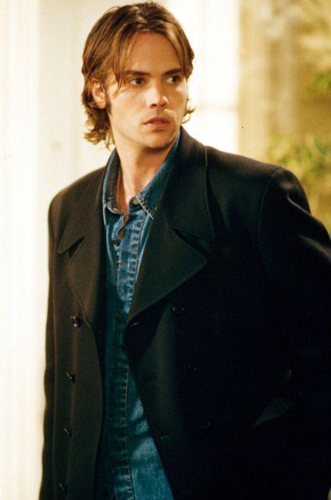 Matt (Barry Watson) macht sich Sorgen, dass sein Kumpel John überstürzt heiraten könnte ... - Bildquelle: The WB Television Network