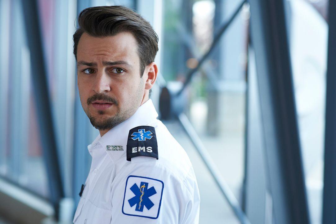 Kommt einfach nicht zur Ruhe: Luke (Tyler Hynes) ... - Bildquelle: 2012  Hope Zee One Inc.
