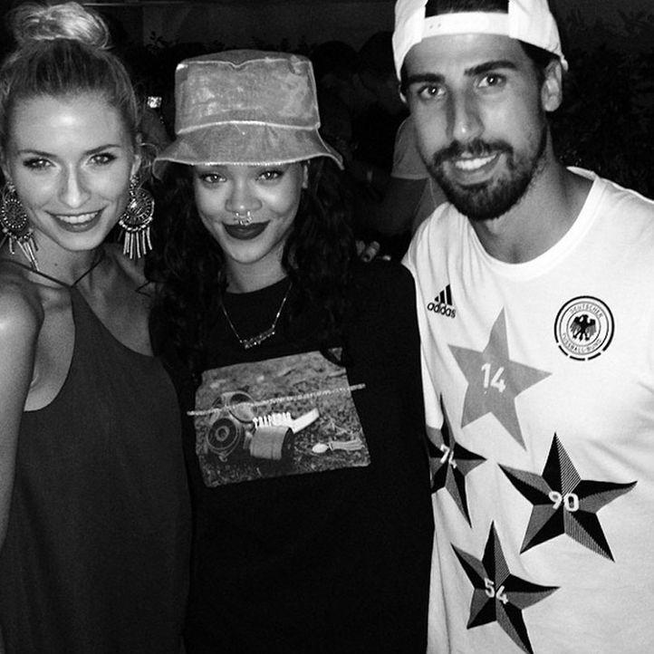 Die schönsten Selfies des WM-Sieges: Khedira mit Lena und Rihanna - Bildquelle: Instagram