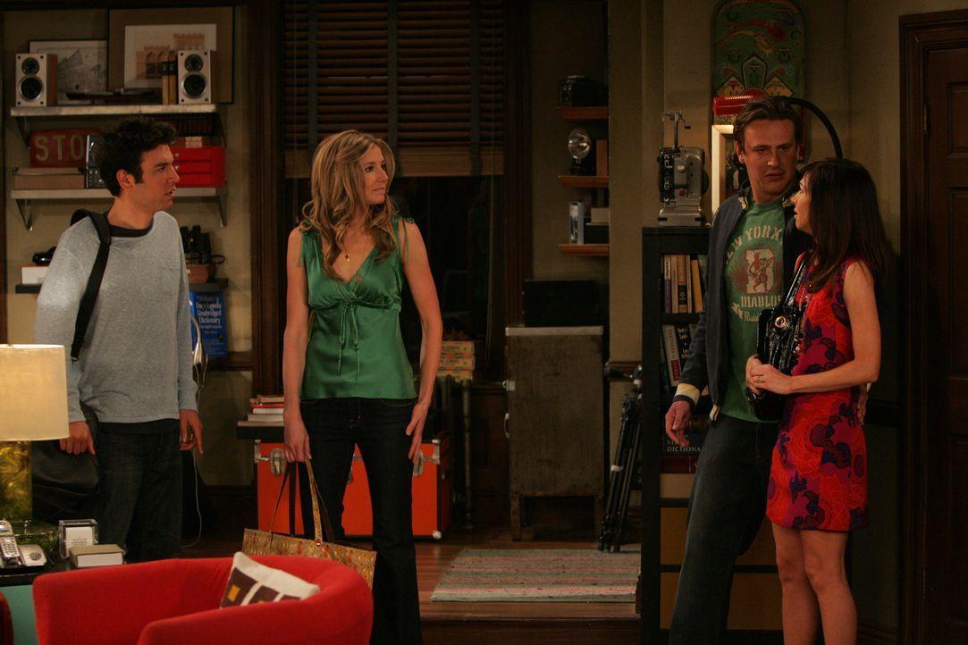Marshall (Jason Segel, 2.v.r.) und Lily (Alyson Hannigan, r.) können nicht glauben, dass Ted (Josh Radnor, l.) und Stella (Sarah Chalke, 2.v.l.), ob... - Bildquelle: 20th Century Fox International Television