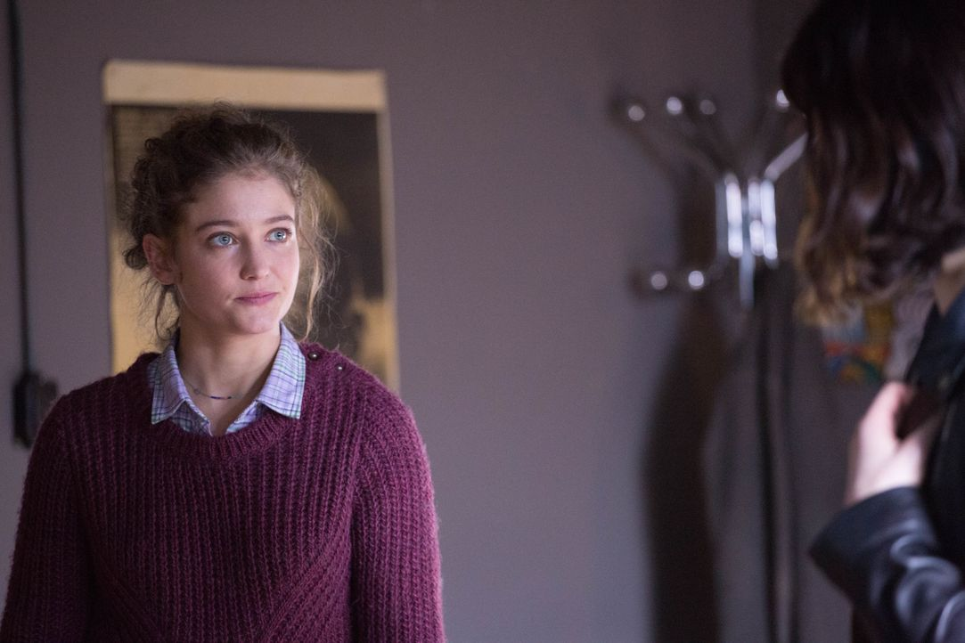 Das Verhältnis zwischen Emma (Sophie de Fürst) und Hyppolite ist weiterhin angespannt ... - Bildquelle: Eloïse Legay 2016 BEAUBOURG AUDIOVISUEL / Eloïse Legay