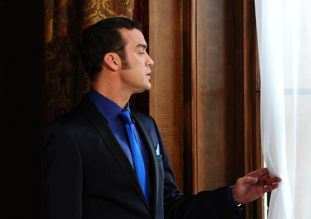 Prinz Cyrus (Jake Maskall), der Bruder des Königs, hat es seit jeher auf den Königsthron abgesehen und nutzt weiterhin seine Machtposition, als Mitg... - Bildquelle: Stuart Wilson 2014 E! Entertainment Media, LLC