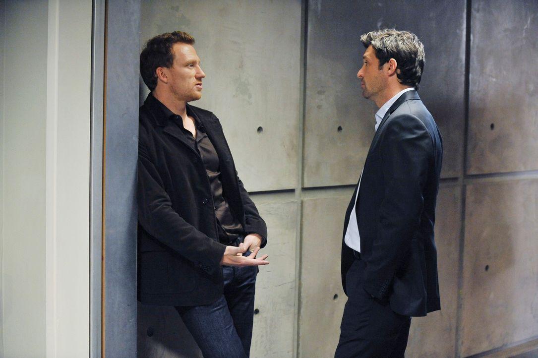 Derek (Patrick Dempsey, r.) und Owen (Kevin McKidd, l.) nehmen sich vor, Meredith und Cristina am Valentinstag auszuführen. Obwohl die Frauen lautst... - Bildquelle: Touchstone Television