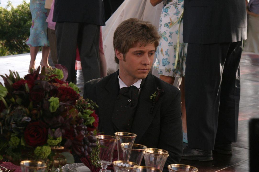Im Gewissenskonflikt: Da Theresa schwanger ist, überlegt Ryan (Benjamin McKenzie), mit ihr zurück nach Chino zu ziehen ... - Bildquelle: Warner Bros. Television
