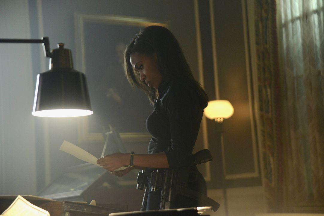 Als Abbie (Nicole Beharie) im Fegefeuer wichtige Informationen bekommt, versucht sie mit Ichabod zu kommunizieren und begibt sich dafür in große Gef... - Bildquelle: 2014 Fox and its related entities. All rights reserved.