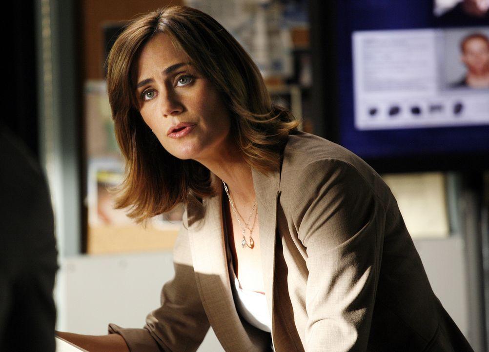 Eine rassistische Gruppierung hält Megan Reeves (Diane Farr) und das gesamte Team auf Trab ... - Bildquelle: Paramount Network Television