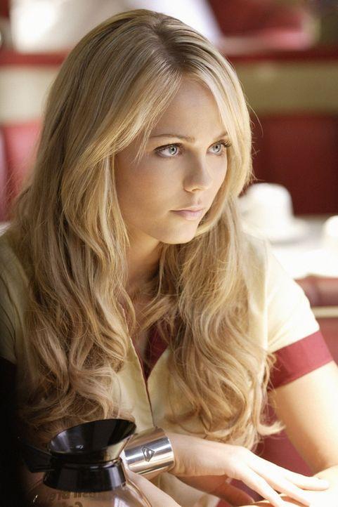 Wird Kara (Laura Vandervoort) jemals ihr Gedächtnis zurück bekommen? - Bildquelle: Warner Bros.