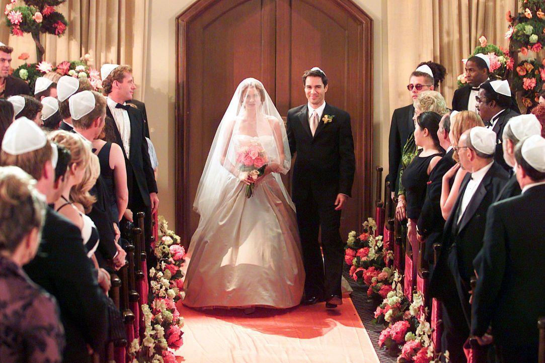 Als bester Freund begleitet Will (Eric McCormack, r.) Grace (Debra Messing, l.) zum Altar ... - Bildquelle: NBC Productions