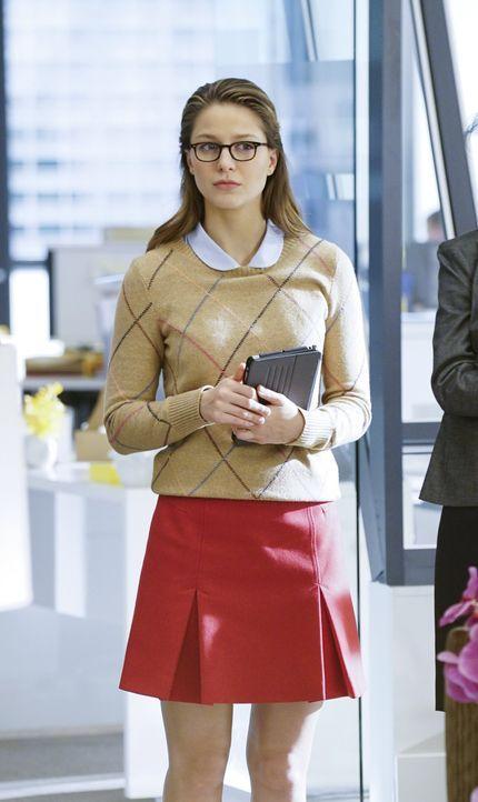 Als ein Supergirl-Doppelgänger auftaucht, der versucht Kara (Melissa Benoist) zu zerstören, fällt der Verdacht sofort auf den Tech-Mogul Maxwell Lor... - Bildquelle: 2015 Warner Bros. Entertainment, Inc.