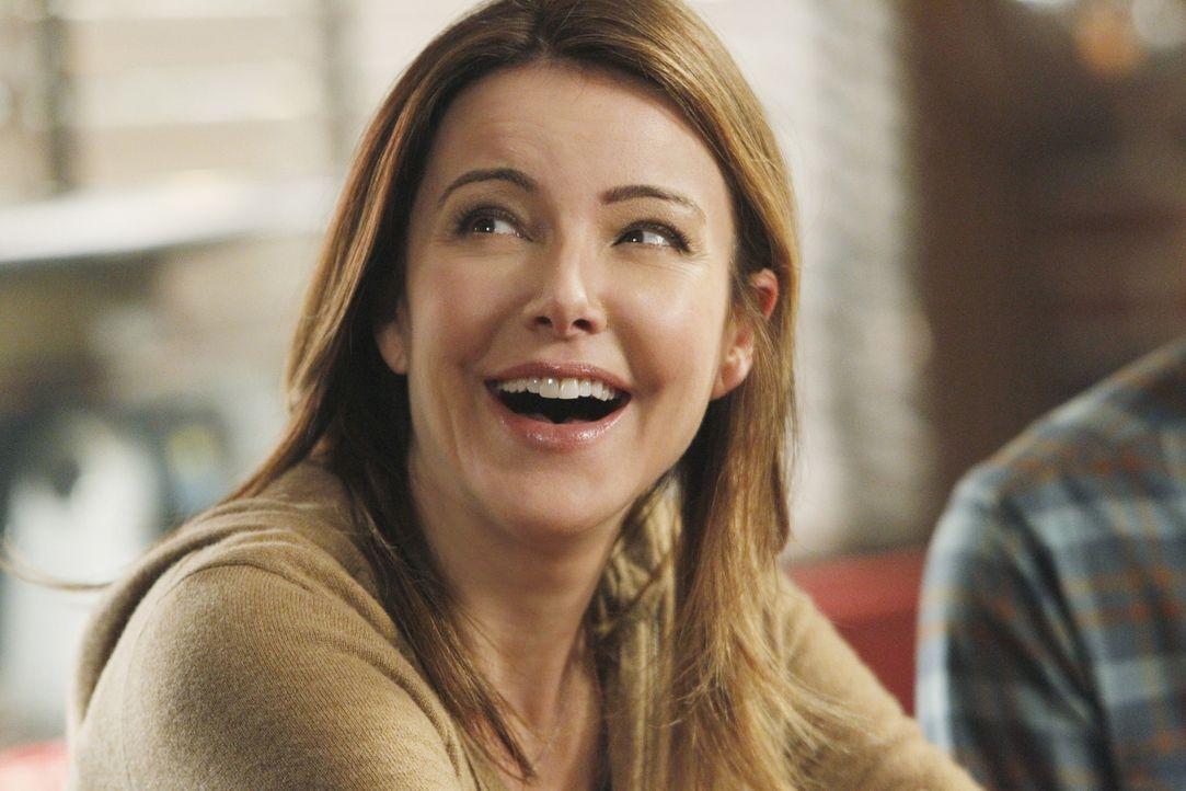 Während Ellie (Christa Miller) von Jules' genervt ist, geraten Andy und Grayson aneinander ... - Bildquelle: 2010 ABC INC.