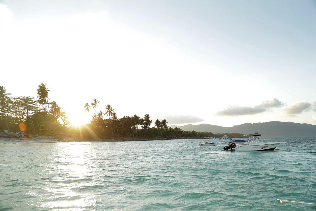 Der Playa Rincon in der Dominikanischen Republik wird von einem romantischen Sonnenuntergang eingerahmt ... - Bildquelle: 2017,The Travel Channel, L.L.C. All Rights Reserved