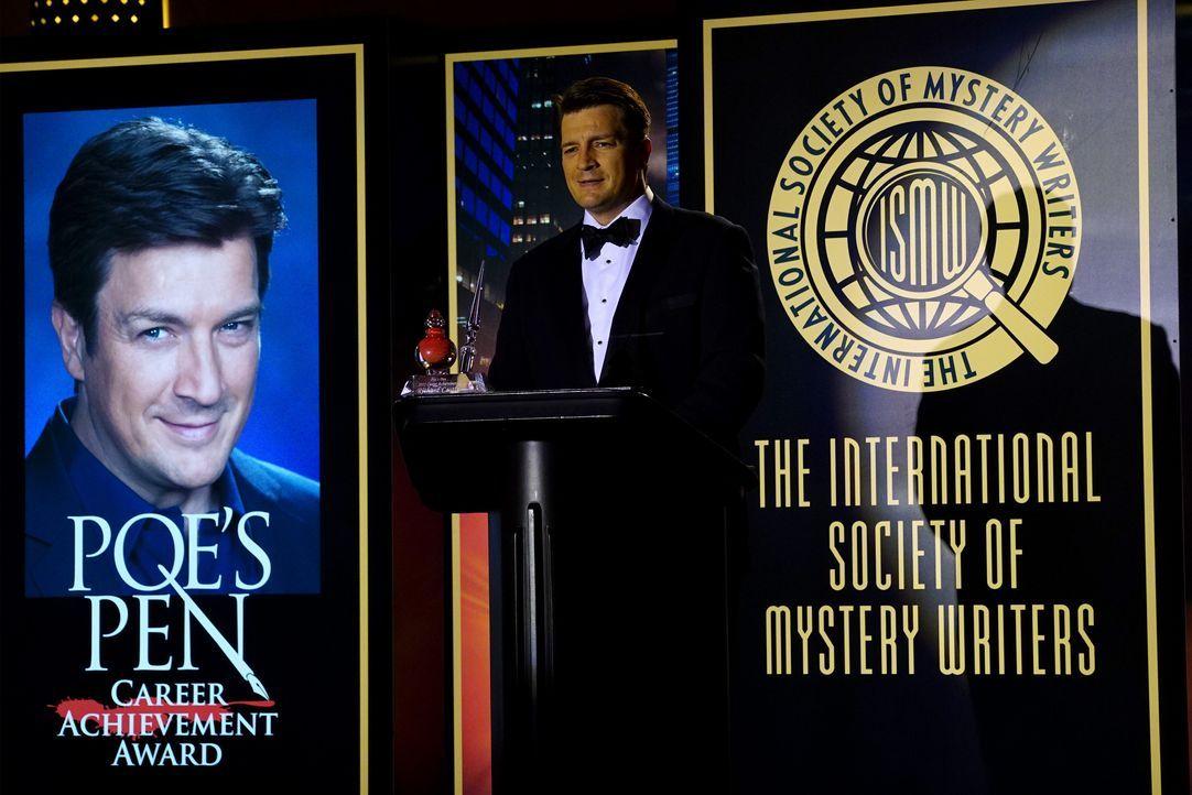 Nicht nur der Preis geht Castle (Nathan Fillion) durch den Kopf, auch der Fall des maskierten Killers betrifft ihn persönlich ... - Bildquelle: Richard Cartwright ABC Studios / Richard Cartwright
