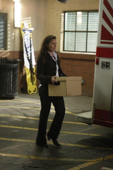 Abby (Maura Tierney) lässt ihr altes Leben hinter sich und beginnt einen Neuanfang mit ihrer kleinen Familie in einer neuen Stadt ... - Bildquelle: Warner Bros. Television