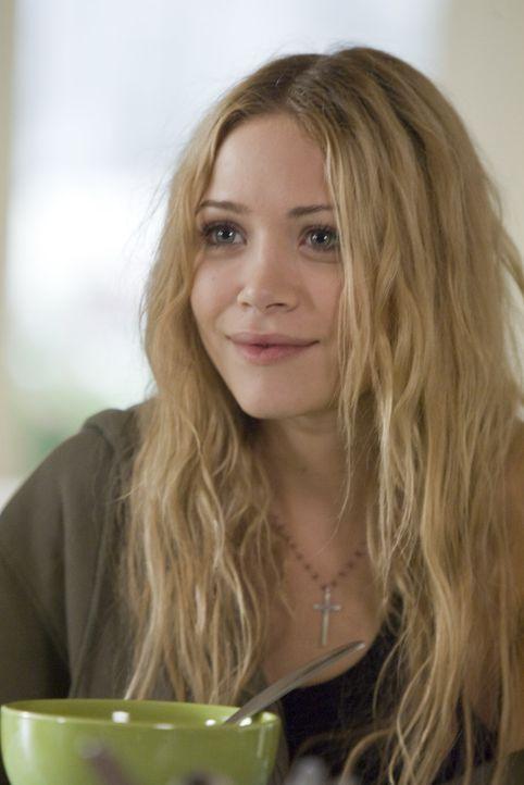 Shane legt sich ausgerechnet mit Silas' religiöser Freundin Tara (Mary-Kate Olsen) an, weil sie nicht an die Evolutionstheorie glaubt ... - Bildquelle: Lions Gate Television