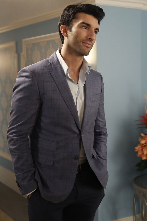 Braucht dringend die Hilfe von Rogelio: Rafael (Justin Baldoni) ... - Bildquelle: 2014 The CW Network, LLC. All rights reserved.