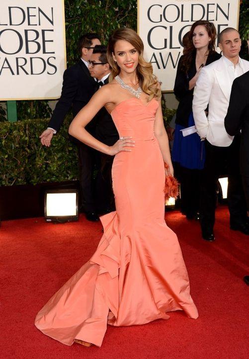 Golden Globes 2013: Das Kleid von Jessica Alba - Bildquelle: AFP