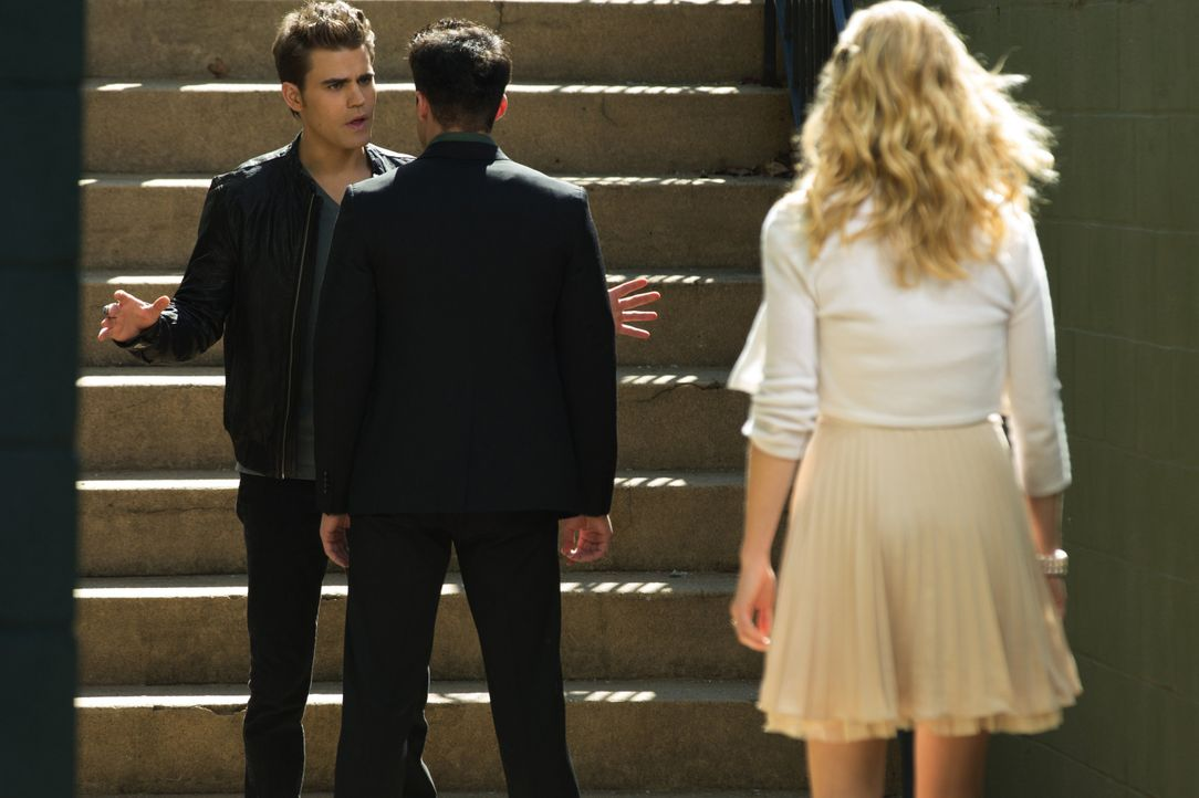 Stefan Salvatore, Tylor Lockwood und Caroline Forbes - Bildquelle: Warner Bros. Entertainment Inc.