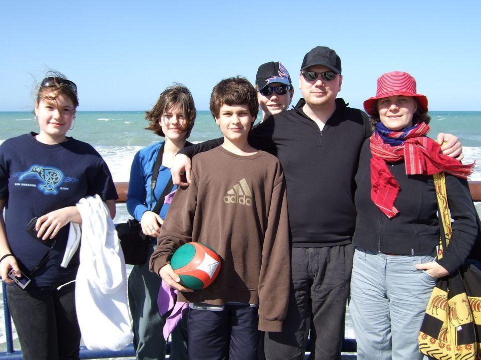 Die Patchworkfamilie Kux aus Berlin lebt seit 7 Jahren zusammen. Nun möchten sie gemeinsam ein neues Leben in Christchurch, Neuseeland, beginnen ... - Bildquelle: kabel eins