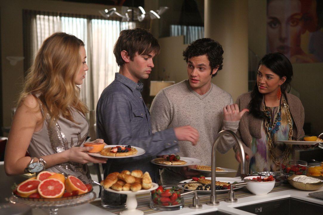 Dan (Penn Badgley, M.r.) und Vanessa (Jessica Szohr, r.) haben sich letztendlich doch entschlossen, ihren Freunden Serena (Blake Lively, l.) und Nat... - Bildquelle: Warner Brothers
