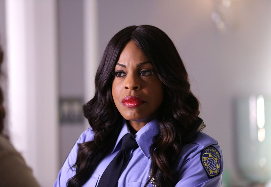 Denise Hemphill (Niecy Nash) zieht ins Kappa ein und macht sich selber zur federführenden Hausmutter ... - Bildquelle: 2015 Fox and its related entities.  All rights reserved.