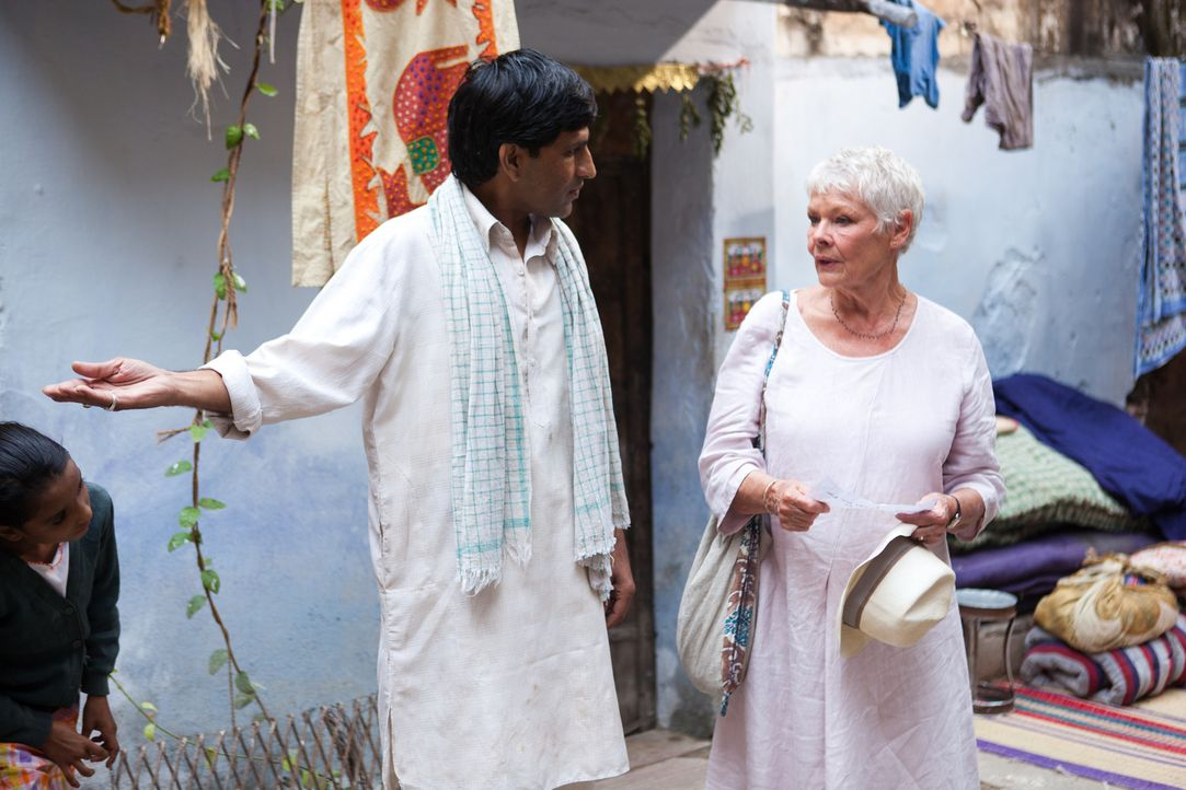 "Ein Trip nach Indien wird für Evelyn (Judi Dench, r.) und ihren Mitreisenden zum Abenteuer. Denn das ""Best Exotic Marigold Hotel"" ist eher exotisch... - Bildquelle: 2012 Twentieth Century Fox Film Corporation. All rights reserved."