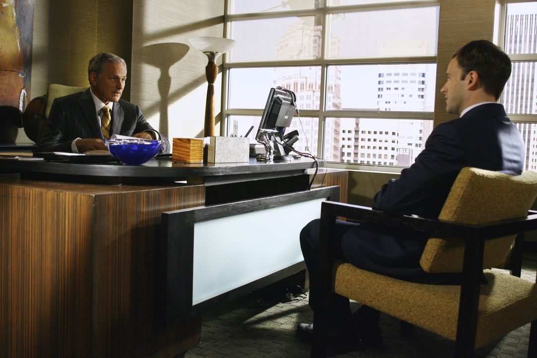 Seine neueste Vision lässt Eli (Jonny Lee Miller, r.) einen ungewöhnlichen Fall annehmen. Jordan (Victor Garber, l.) zweifelt allerdings am Urteilun... - Bildquelle: Disney - ABC International Television