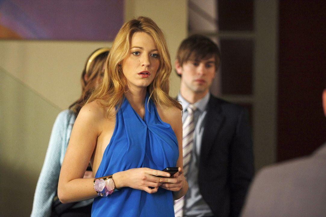 Nachdem Serena (Blake Lively) eine SMS an Gossip Girl geschickt hat, ist sie schockiert, als das Handy von Erics Freund Jonathan klingelt. Es stellt... - Bildquelle: Warner Brothers
