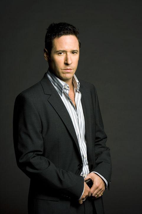 (3. Staffel) - FBI-Agent Don Eppes (Rob Morrow, r.) engagiert in schwierigen Fällen seinen Bruder Charlie, einen genialen Mathematiker, als Berater... - Bildquelle: Paramount Network Television