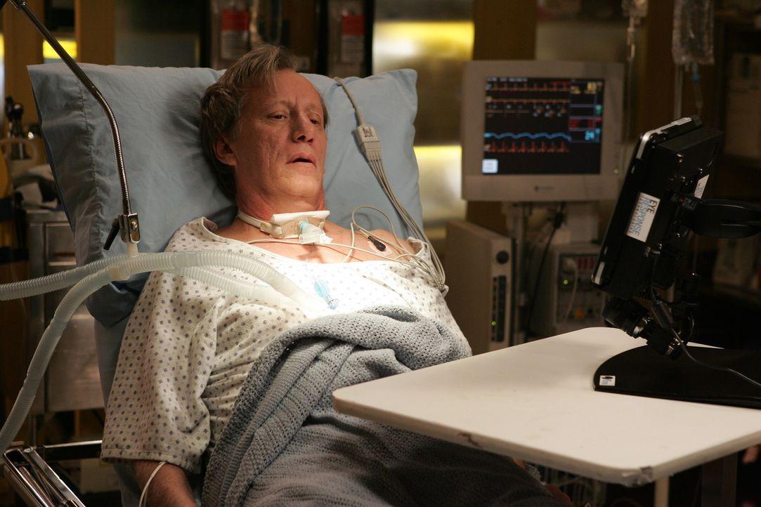 Dr. Nate Lennox (James Woods), ein ehemaliger Professor für Biochemie, der an Multiple Sklerose leidet,  wird ins County eingeliefert ... - Bildquelle: Warner Bros. Television