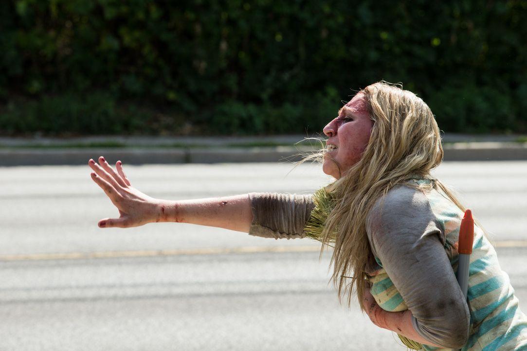 Nachdem die Eifersucht vollkommen die Kontrolle über ihren Mann übernommen hat, muss Amy um ihr Leben kämpfen ... - Bildquelle: Darren Goldstein Cineflix 2014