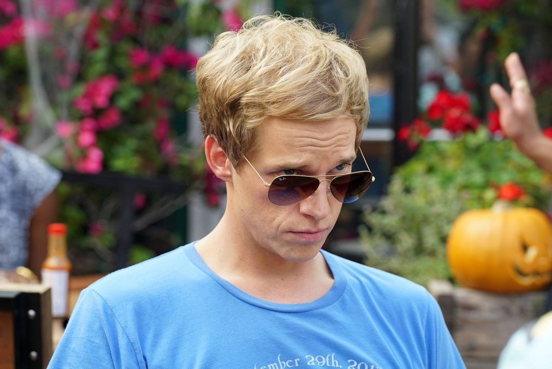 Jimmy (Chris Geere) überlegt sich etwas ganz besonderes für seine Freundin, um sie aus dem tiefen Loch zu holen, in dem sie sich momentan befindet .... - Bildquelle: 2015 Fox and its related entities.  All rights reserved.