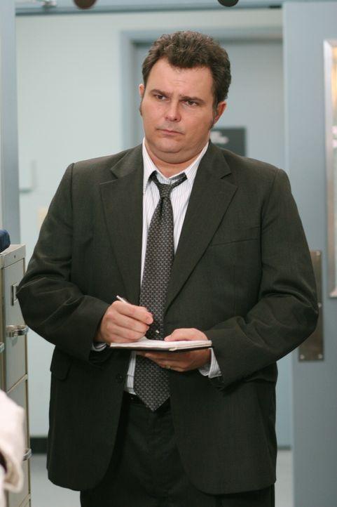 Det. Nick Vera (Jeremy Ratchford) sammelt Informationen, die der Aufklärung des aktuellen Falles dienlich sein könnten ... - Bildquelle: Warner Bros. Television