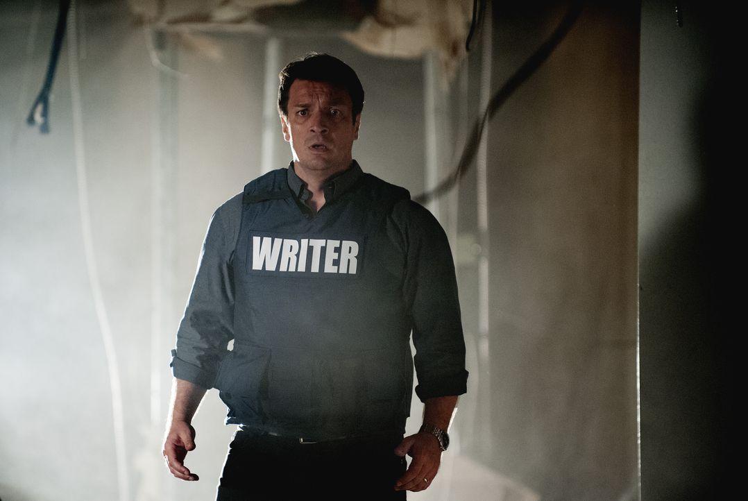 Kann nicht fassen, wer die erschossene Frau in dem gestürmten Gebäude ist: Rick Castle (Nathan Fillion) ... - Bildquelle: Colleen Hayes ABC Studios / Colleen Hayes