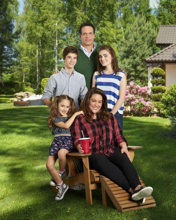 (2. Staffel) -  (v.l.n.r.) Anna-Kat (Julia Butters); Oliver (Daniel DiMaggio); Greg (Diedrich Bader); Taylor (Meg Donnelly); Katie (Katy Mixon, vorne) - Bildquelle: Bob D'Amico 2017 American Broadcasting Companies, Inc. All rights reserved.
