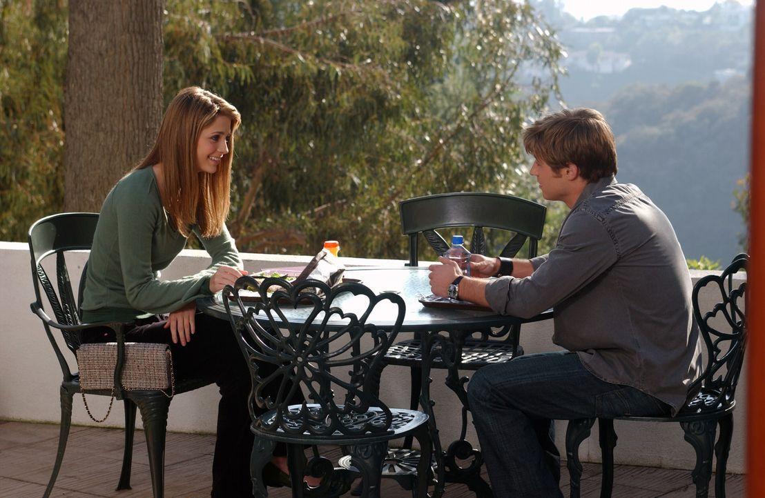 Versuchen nur Freunde zu sein: Ryan (Benjamin McKenzie, r.) und Marissa (Mischa Barton, l.) ... - Bildquelle: Warner Bros. Television