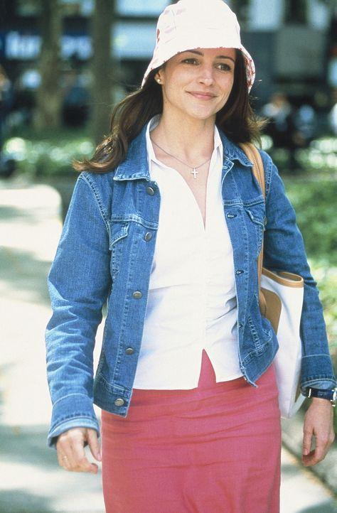 Charlotte (Kristin Davis) schlendert zufrieden und unbekümmert durch die City. - Bildquelle: Paramount Pictures