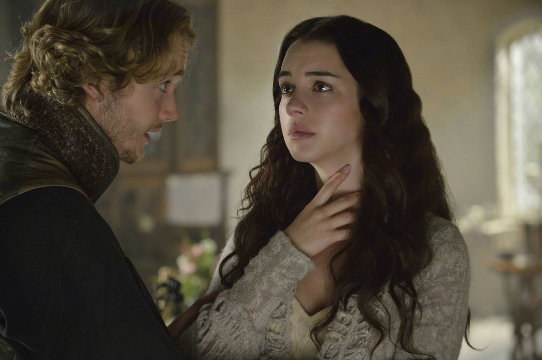 Wie wird es weitergehen mit Francis (Toby Regbo, l.), dem Thronfolger von Franreich, und Mary (Adelaide Kane, r.), der jungen Königin von Schottland... - Bildquelle: Ben Mark Holzberg 2013 The CW Network, LLC. All rights reserved.