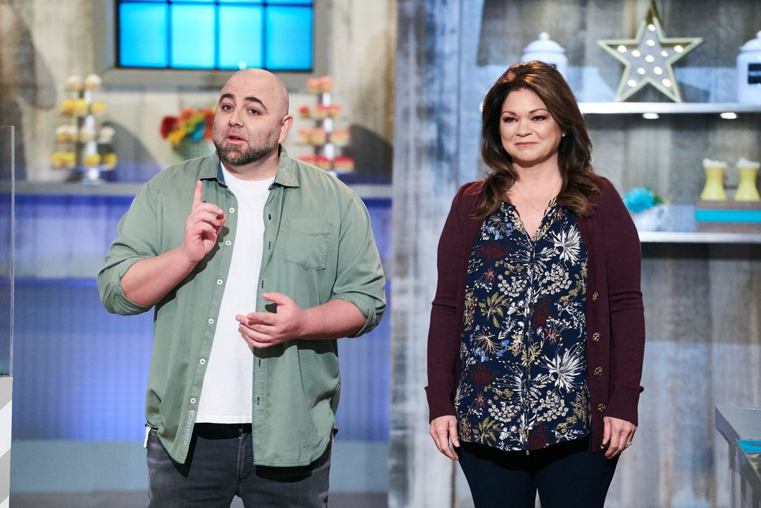 Duff Goldman (l.); Valerie Bertinelli (r.) - Bildquelle: Zac Hahn 2016, Television Food Network, G.P. All Rights Reserved./Zac Hahn