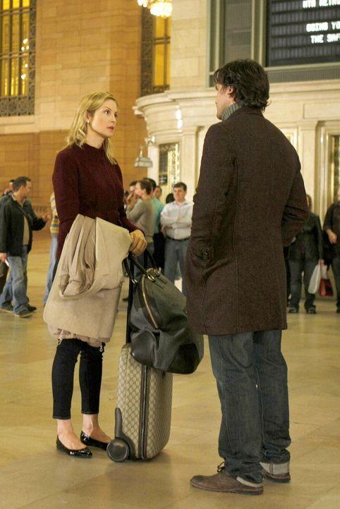 Haben Lily (Kelly Rutherford, l.) und Rufus (Matthew Settle, r.), nachdem das Geheimnis von Lily gelüftet wurde, noch eine Chance? - Bildquelle: Warner Brothers