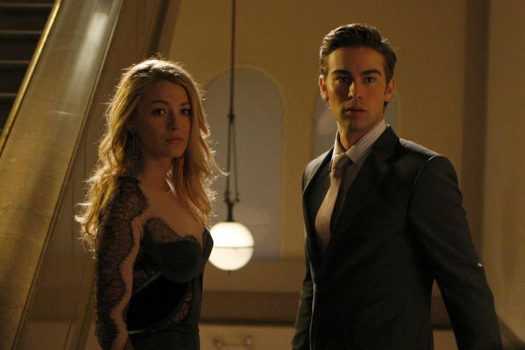 ...und schon gibt es eine erste Krise in der Beziehung von Serena (Blake Lively, l.) und Nate (Chace Crawford, r.). - Bildquelle: Warner Brothers.