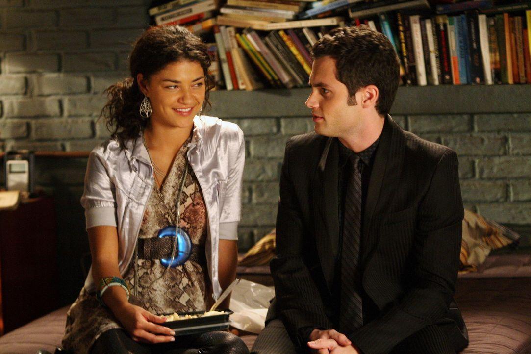 Sie müssen sich unbedingt aussprechen und ihre Gefühle füreinander klären: Dan (Penn Badgley, r.) und Vanessa (Jessica Szohr, l.) ... - Bildquelle: Warner Brothers