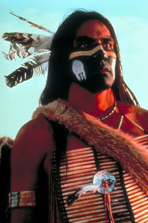 Der stolze Sioux-Krieger ' Wind in seinem Haar' (Rodney A. Grant) zweifelt an den ehrlichen Absichten des weißen Nordstaatenoffiziers John Du... - Bildquelle: Orion Pictures Corporation