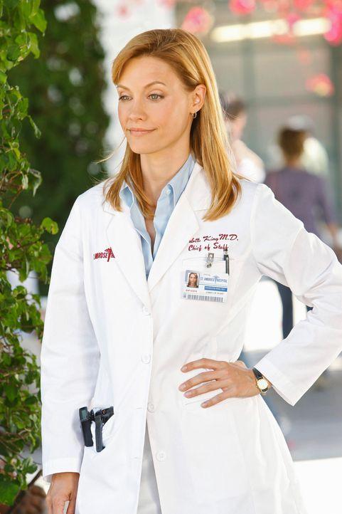 """Addison erhält ein Job-Angebot von Charlotte (KaDee Strickland), was sie auf Grund der angespannten Stimmung im """"Oceanside""""  tatsächlich in Betracht... - Bildquelle: ABC Studios"""