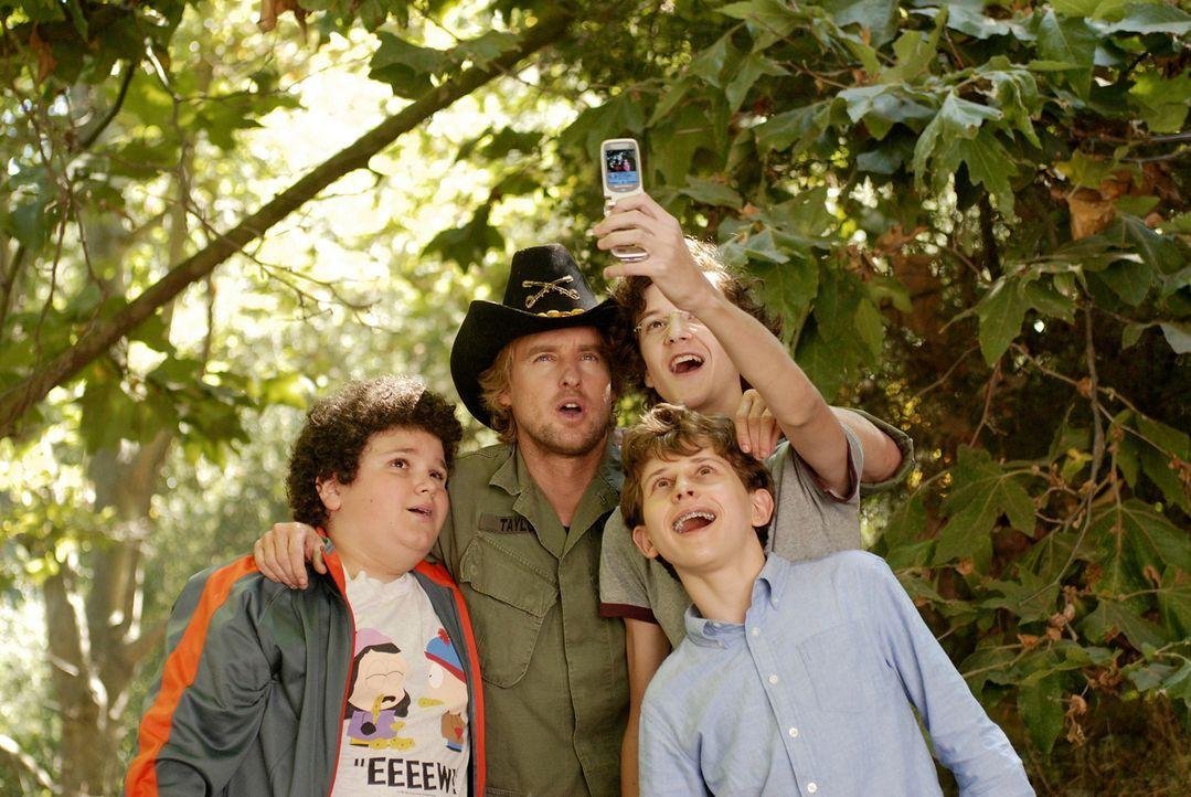 Die drei Highschool-Neulinge Ryan (Troy Gentile, l.), Wade (Nate Hartleyr.) und Emmit (David Dorfman, 2.v.r.) wollen sich nicht länger von einigen M... - Bildquelle: 2007 Paramount Pictures