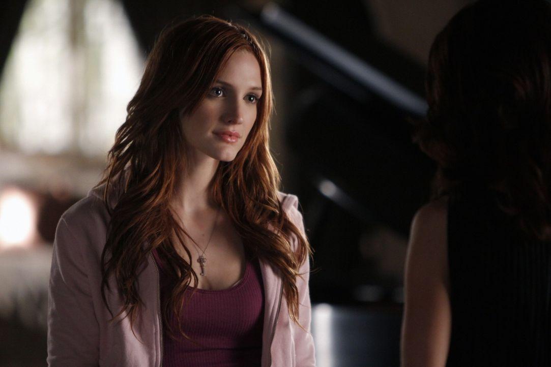 Was verschweigt Violet (Ashlee Simpson) den Anderen? - Bildquelle: 2009 The CW Network, LLC. All rights reserved.