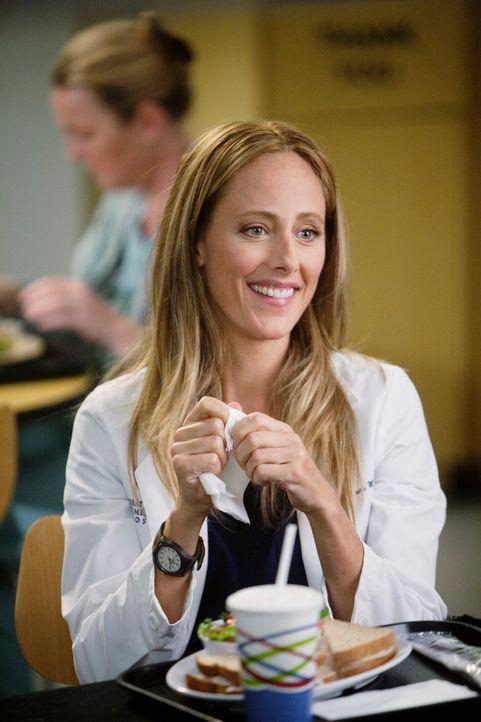 Owen rekrutiert Dr. Teddy Altman (Kim Raver) für die Kardiologie. Cristina stellt jedoch nicht nur die Fähigkeiten der Chirurgin in Frage, sondern a... - Bildquelle: Touchstone Television